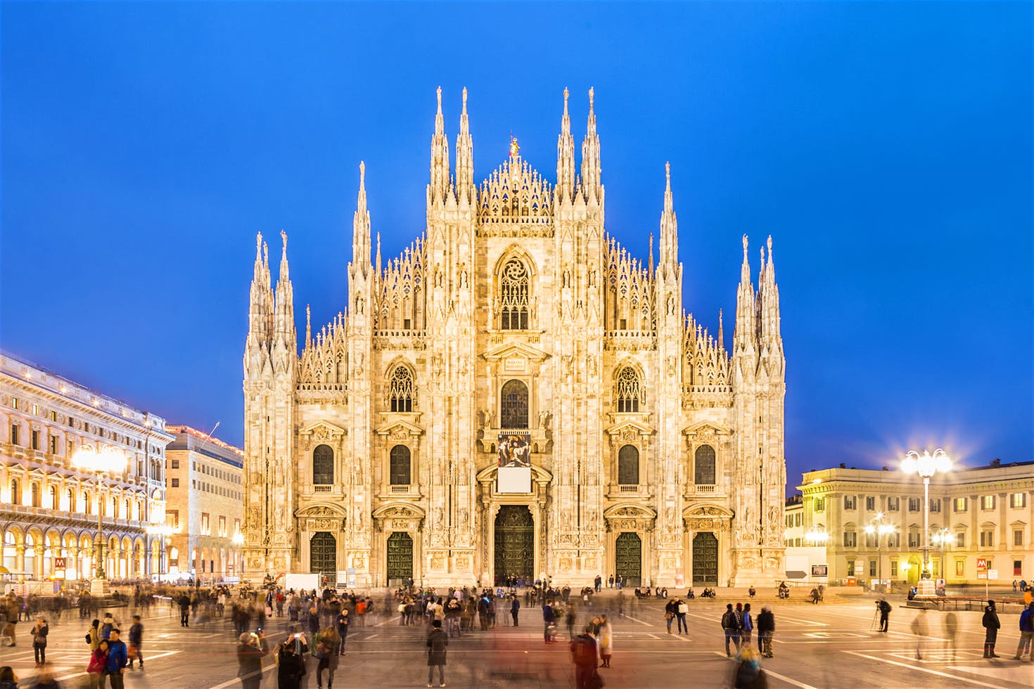 Tourists in Milan: Costs for Moving Around the City by Taxi
